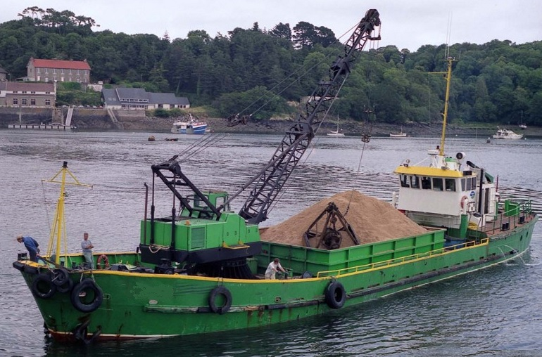 450 Mtns sand stone carrier dredger with crane for sale