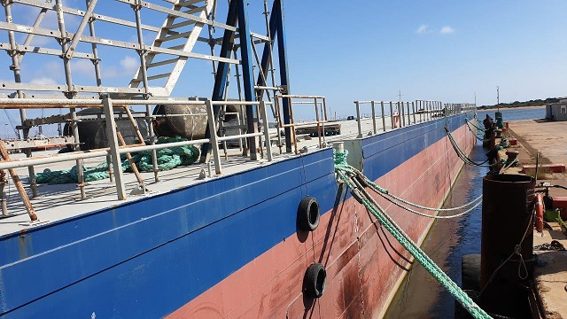 Deck barge 91 x 27 m for sale